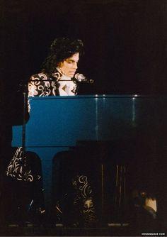 Yeeoww! Super rare Lovesexy piano interlude photo!