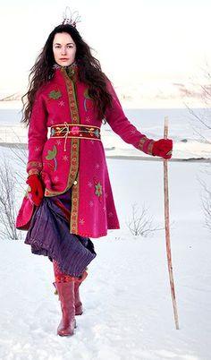 Boho Scandinavian: Modern Scandinavian folk art by Gudrun Sjdn Folk Fashion, Fashion Mode, Ethnic Fashion, Winter Fashion, Bohemian Mode, Bohemian Style, Beautiful Outfits, Cute Outfits, Gudrun