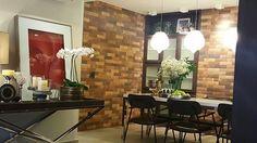 Fim de obra! Neste projeto a arquiteta Roseane Rodrigues (@roseane_rodrigues_arquitetura) utilizou o nosso tijolinho Giorgio Brick, da Linha Taylor Made. Nós ❤️! E vocês?  #tijolinho #argila #portobello #portobelloshop #detalhes #interiores #decor #decoração #cores #parede #reforma #obra #arquitetos #arquitetura #casacorbrasilia #iluminaçao #projeto #details