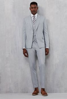Light Grey is a great colour trend for 2016 wedding suits. The colour compliments well with the major colour theme trends including deep contrast of navy or add further summer feeling with coral, copper rose gold or aqua