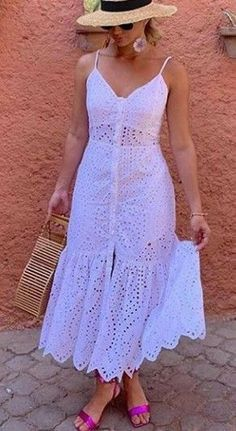 fashion dresses 50 looks na cor branca para voc se inspirar - - Source by jpdesouza Funky Dresses, Lovely Dresses, Simple Dresses, Elegant Dresses, Sexy Dresses, Vintage Dresses, Dress Outfits, Casual Dresses, Fashion Dresses