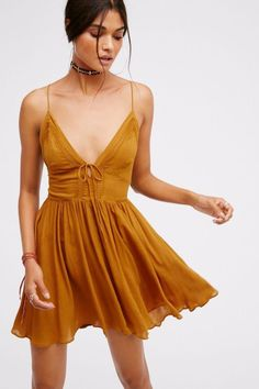 Free People's cute dresses fit every occasion! Shop online for summer dresses, sundresses, casual dresses, white boho maxi dresses & more. Dress For Summer, Cheap Summer Outfits, Simple Summer Dresses, Beach Outfits, Emo Outfits, Sexy Dresses, Cute Dresses, Casual Dresses, Fashion Dresses