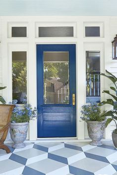 Bold front door colors house Ideas for 2019 Cottage Front Doors, Craftsman Front Doors, House Front Door, Glass Front Door, Front Door Decor, Front Porch, Front Yards, Craftsman Style, Best Front Doors