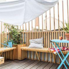 Pause farniente sur la terrasse de la maison de famille Porch Swing, Outdoor Furniture, Outdoor Decor, Rooftop, Balcony, Pergola, Architecture, World, Gilles