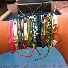PURA VIDA! #obsessed love the boho style & bracelets~~ we now sell them & flash tats as well at Too Blue boutique!