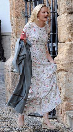 Sofia Wellesley at Lady Charlotte Wellesley Santo Domingo's wedding (Granada, 27 May 2016)