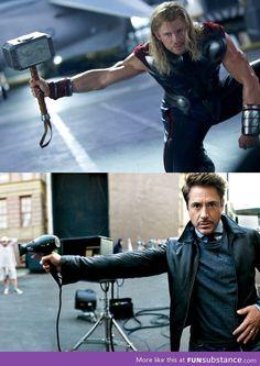The Avengers: Thor & Tony Stark Funny Marvel Memes, Dc Memes, Marvel Jokes, Marvel Dc, The Avengers, Deadpool, Univers Marvel, Liam Hemsworth, Downey Junior