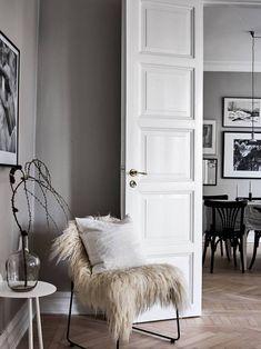 blancas paredes negras decoracin sillas negras blanca look carpintera blanca decoracin blanco nordico sillas comedor nordico blanca puertas