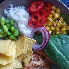 Inspiration til sunde opskrifter - 45 lækre og sunde opskrifter. – #Hashtagmor Taco Bowls, Salsa Chicken, Hummus, Meal Prep, Recipies, Tacos, Brunch, Rice, Meals