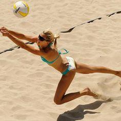 i wanna play beach volley so bad!!
