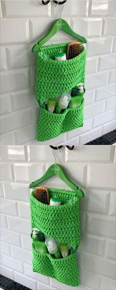 Easy Crochet Ideas For Useful Crochet Creations - DIY Beauty Projects Ideen Crochet Simple, Crochet Diy, Easy Crochet Projects, Modern Crochet, Crochet Home, Crochet Gifts, Crochet Ideas, Sewing Projects, Craft Projects