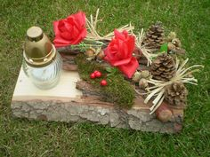 Vence na hroby už dávno nie sú len z umelých chryzantém Artmama. Grave Flowers, Ikebana, Christmas Projects, Funeral, Fall Decor, Diy And Crafts, Projects To Try, Table Decorations, Plants