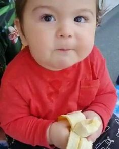 Funny Baby Memes, Cute Funny Baby Videos, Cute Funny Babies, Funny Videos For Kids, Cute Funny Quotes, Funny Kids, Cute Kids Pics, Cute Baby Pictures, Cute Little Baby