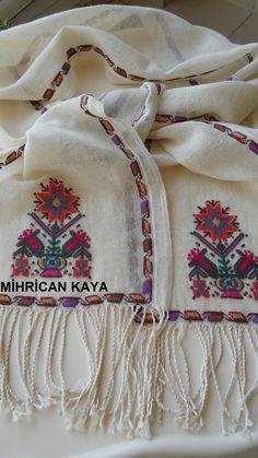 Yöresel dokuma kumaşa ipek iplikle işlediğim hesap işi fular..#embroidery #handmade #hesapişi #mywork