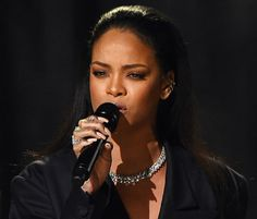 Rihanna To Perform New 'Anti' Music During The Grammys? Singer Promises 'I'm Worth The Wait' Rihanna Photos, Ryan Seacrest, Worth The Wait, Black Girls Rock, Nba Players, I Promise, New Music, My Girl, Waiting