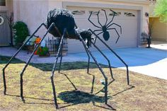 Tutorial on how to make a giant pvc spider for front yard. Outdoor Halloween Decor.
