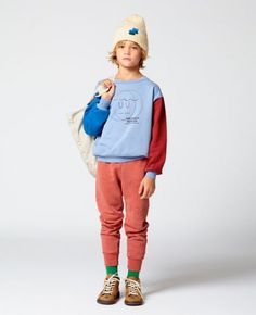 The Animals Observatory has just launched a new capsule collection inspired by the Finch School of Art. Designer Laia Aguilar pays hommage to this all girl's art col Kids Fashion Boy, Trendy Fashion, Fashion Clothes, Style Fashion, Girl Fashion, Winter Kids, Fall Winter, Baby Kind, Girl Falling