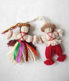 www.me ~ Items similar to Authentic ukrainian handmade dolls (charm) made of twisted wool threads on Etsy Pom Pom Crafts, Yarn Crafts, Home Crafts, Diy And Crafts, Crafts For Kids, Christmas Ornaments To Make, Christmas Crafts, Wool Thread, Felt Art