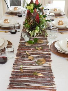 Bring an organic touch to your Thanksgiving table by creating a beautiful runner made out of twigs.  http://www.hgtv.com/entertaining/our-favorite-thanksgiving-table-setting-ideas/pictures/page-16.html?soc=pinterest