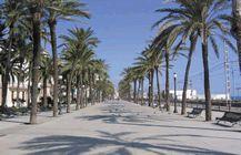 Viajes Badalona Barcelona, Sidewalk, Beach, Places, Water, Outdoor, Hotels, Europe, Cities