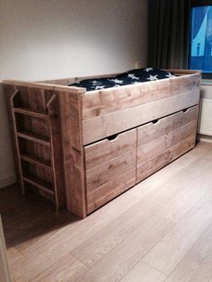 Gave hoogslaper van de STIJGERHOUTLOODS Childrens Room, Cool Kids Rooms, Boy Room, Child Room, Fashion Room, Kid Beds, Girls Bedroom, Bedroom Ideas, Wood Pallets