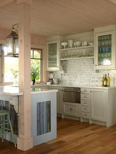 LOVE the reclaimed wood accents! country kitchen lovely cottage kitchen by sarah richardson Kitchen Decorating, Decorating Ideas, Decor Ideas, Cottage Decorating, Room Ideas, Decor Diy, 31 Ideas, Interior Decorating, Style At Home