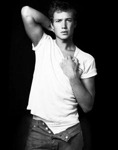 30 days idol Challenge - Page 3 70f938c1179dd7b22616ad1474842721--ed-speleers-dream-cast