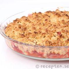 Rabarber och jordgubbspaj Grandma Cookies, Cookie Box, Rhubarb Recipes, Fika, Macaroni And Cheese, Muffins, Strawberry, Food And Drink, Favorite Recipes