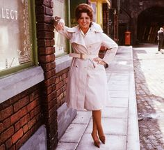 Pat Phoenix as Elsie Tanner British Drama Series, Grow Up People, Coronation Street, British Actresses, Music Tv, Famous Faces, Well Dressed, Hollywood, Glamour