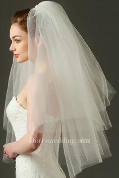 Wedding Tiara Veil, Wedding Bride, Boho Wedding, Wedding Dresses, Wedding Hair, Short Wedding Veils, Pub Wedding, Dream Wedding, Wedding Frocks