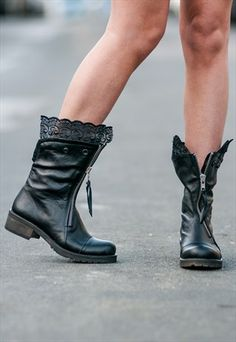 BALLERINA GONE STREET STYLE BOOTS/SHOES