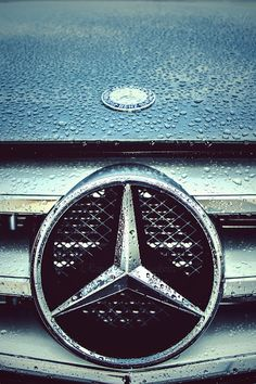Mercedes Benz Logo - Badge -Emblem