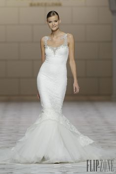 Pronovias 2015 collection - Bridal - http://www.flip-zone.com/fashion/bridal/the-bride/pronovias-4739