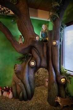 Un arbre merveilleux créé par un père pour sa fille. Une vraie chambre de contes de Fée !