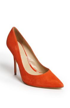 Coral pointy shoes