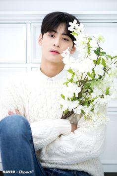 Listen to every Astro track @ Iomoio Hot Korean Guys, Cute Korean Boys, Ideal Man, Perfect Boy, K Pop Idol, Park Jin Woo, Cha Eunwoo Astro, Astro Wallpaper, Jimin