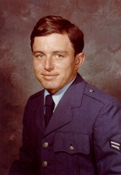Wishing #JerryMathers (#TheBeaver on #LeaveItToBeaver) a happy 72nd Birthday! Do you know Jerry Mathers is another on a long list of  #FamousVeterans having served in the #AirForceReserve from 1967 to 1969! Happy birthday and thank you for your service!  See if your favorite celeb served: FamousVeterans.com Military Personnel, Military Veterans, Military Service, Military Men, Hollywood Stars, Classic Hollywood, Air Force National Guard, Jerry Mathers, Famous Veterans