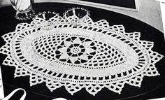 Oblong Doily Pattern - free crochet pattern at Free Vintage Crochet. Crochet Table Runner Pattern, Crochet Pillow Patterns Free, Crochet Blanket Edging, Vintage Crochet Patterns, Crochet Headband Pattern, Free Pattern, Crochet Designs, Crochet Cable Stitch, Thread Crochet