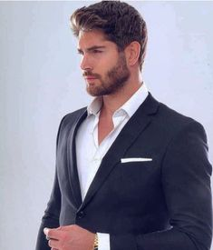 The Royal Bond is part of Nick bateman 17 I hated the higher up packs The fact that they got to live in luxury while your average, run of the mill wolves, wer - Nick Bateman, Trendy Mens Haircuts, Poses For Men, Stylish Boys, Herren Outfit, Mode Chic, Hair And Beard Styles, Modern Man, Bearded Men