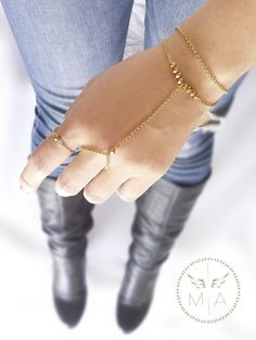 PULSERA DOBLE CON MURANO DORADA Delicate, Bracelets, Gold, Jewelry, Fashion, El Dorado, Doubles Facts, Chains, Steel