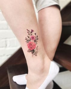 50 Amazing And Gorgeous Ankle Floral Tattoo Designs You Must Know - Page 6 of 50 - Chic Hostess Design Your Own Tattoo, Create Your Own Tattoo, Floral Tattoo Design, Tattoo Floral, Cute Small Tattoos, Small Tattoo Designs, Tattoo Designs Men, Flower Bouquet Tattoo, Petit Tattoo