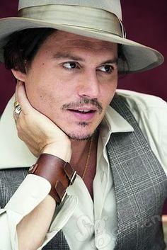 having a Johnny Depp moment. Super sexy.