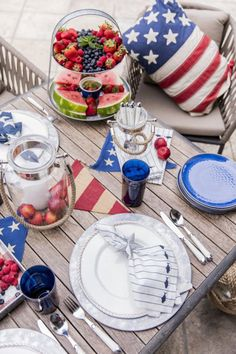 Fourth Of July Food, 4th Of July Party, July 4th, Patriotic Party, Patriotic Crafts, Blue Dishes, White Dishes, 4th Of July Decorations, Table Decorations