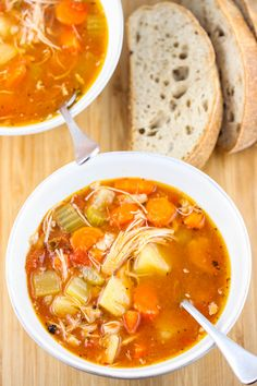Zesty Crock Pot Chicken and Potato Stew by www.eatliverun.com #slowcooker #soup