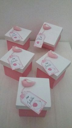 Pink And Silver Wedding Favor Boxes With Bows And Rhinestones Best Wedding Favors, Wedding Favor Boxes, Baby Shawer, Paper Crafts, Diy Crafts, Ideas Para Fiestas, Cold Porcelain, Baby Boy Shower, Diy For Kids
