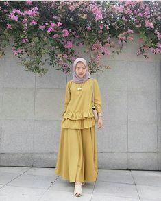 Abaya Fashion, Muslim Fashion, Fashion Dresses, Mode Abaya, Pakistani Dresses Casual, Casual Hijab Outfit, Hijab Style, Salwar Designs, Muslim Dress