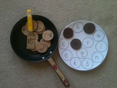 ABC Pancakes. Fun, hands-on way to teach children sight words. {Would be a cute activity to do with the books If you Give a Pig a Pancake or Pancakes for Breakfast}