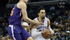 Memphis enfonce un peu plus Phoenix -  Privés de Devin Booker, les Suns ont résisté un quart-temps grâce à T.J. Warren (27 points) avant de devoir se limiter à de la figuration à Memphis, où Tyreke Evans… Lire la suite»  http://www.basketusa.com/wp-content/uploads/2018/01/brooks-suns-570x325.jpg - Par http://www.78682homes.com/memphis-enfonce-un-peu-plus-phoenix homms2013 sur 78682 homes #Basket