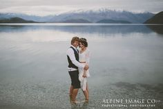 Lake Wanaka, New Zealand.... what a gorgeous place to elope to! Photography by Alpine Image Company