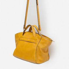 Image 2 of ZIPPED TOTE BAG from Zara